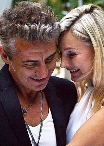 Luciano Ligabue venerdì si è sposato con Barbara Pozzo - 1378712129_