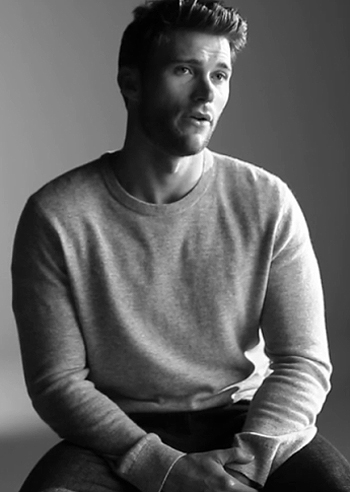 Scott Eastwood per Persol. Il figlio di Clint interpreta due