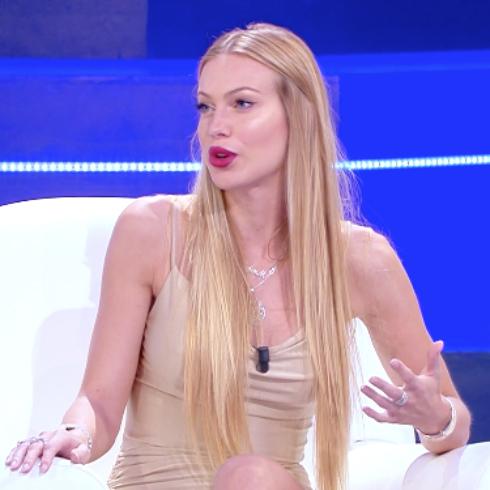 Barbara D'Urso: 'Taylor Mega mi ha chiesto scusa'. La conduttrice fa tornare la bionda in tv