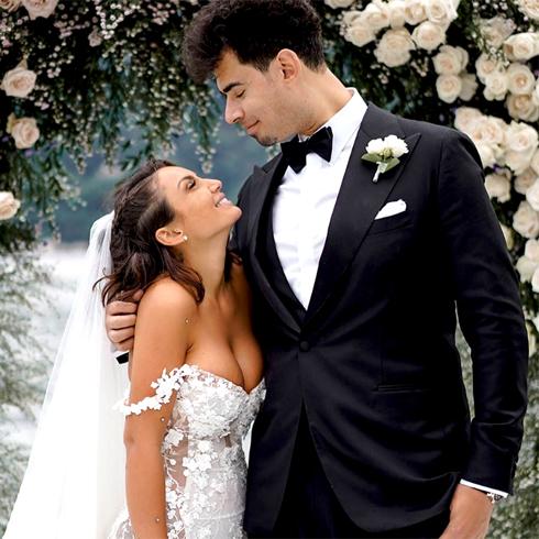 Elettra Lamborghini si è sposata! Prima foto da moglie