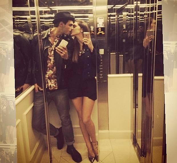 Cecilia Rodriguez E Francesco Monte Si Baciano In