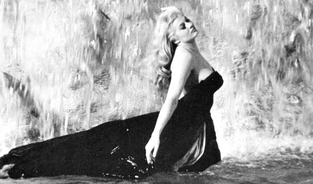 Anita ekberg la star della 39 dolce vita 39 morta vicino roma all 39 et di 83 anni - Bagno nella fontana di trevi ...