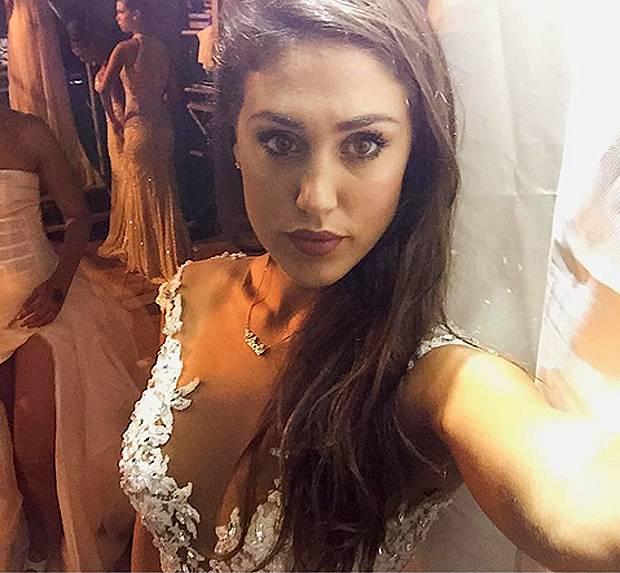 Prove di matrimonio per Cecilia Rodriguez. La sorellina di Belen in ... 7a09aea0d7e
