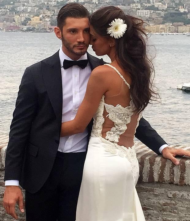 Belen Rodriguez e Stefano De Martino, ancora con gli abiti da sposi ...