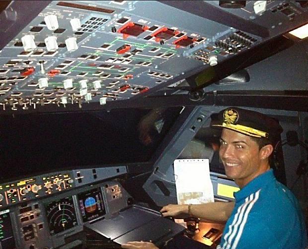 Jet Privato Roma Londra : Cristiano ronaldo per natale si è regalato un jet privato