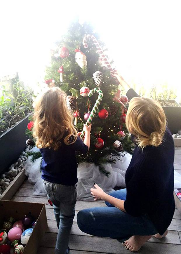 Alessia marcuzzi ha fatto l 39 albero di natale insieme ai for Alla maison di alessia