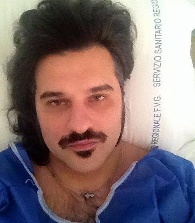 Mauro è ricoverato all'ospedale di Pordenone dove ha subito ben due interventi chirurgici