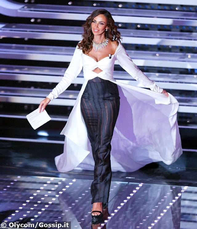 Sanremo 2016: gli outfit di Madalina Ghenea della terza serata