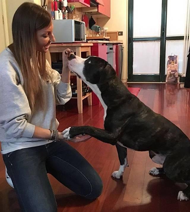 Tara insieme al suo adorato Pablo