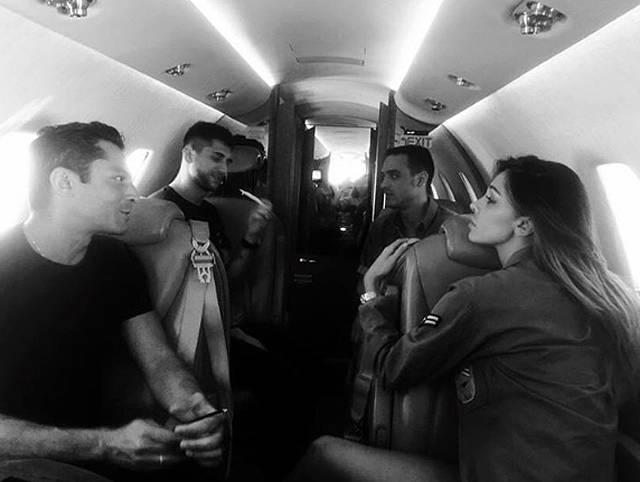 Aereo Privato Roma Ibiza : Belen rodriguez partenza con famiglia e amici per ibiza