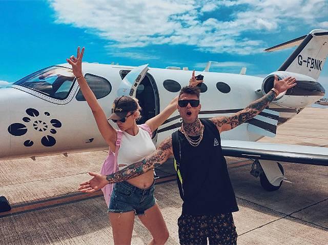 Jet Privato Roma Ibiza : Fedez a ibiza con la youtuber greta menchi enne ha