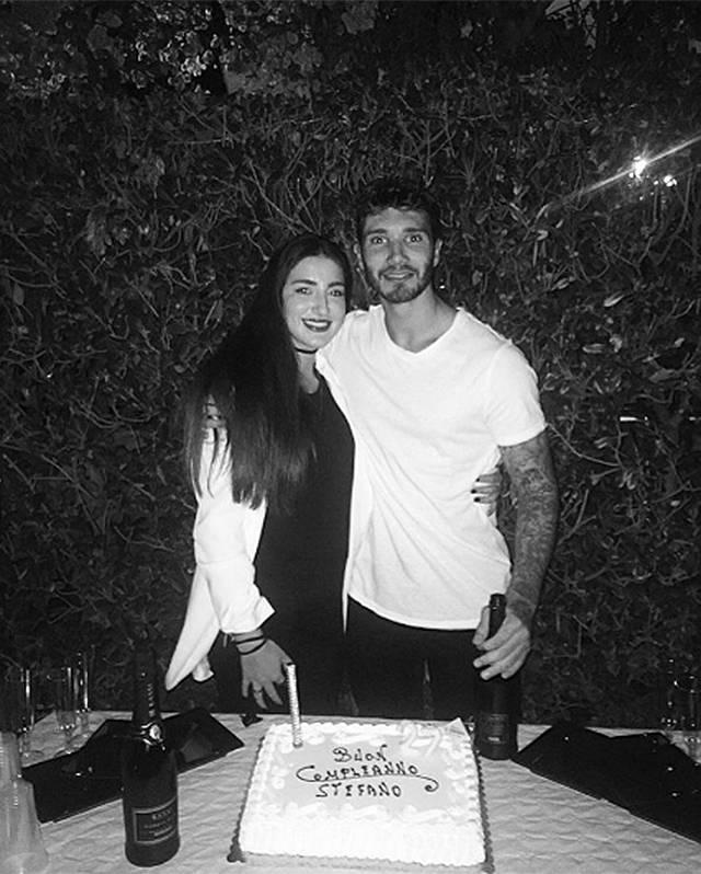 Stefano De Martino festeggia da single, ma sente Emma