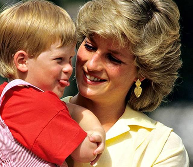 Il principe Harry in un video spiega il potere della diagnosi veloce sullHIV e limportanza di fare il test