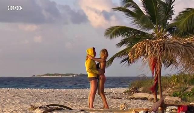 Isola dei famosi: il coming out di Eva Grimaldi e Imma Battaglia