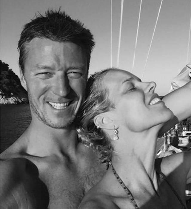 Eva Herzigova fa marcia indietro sul matrimonio: