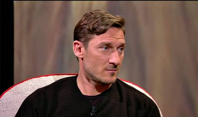 Francesco Totti choc su Fb: