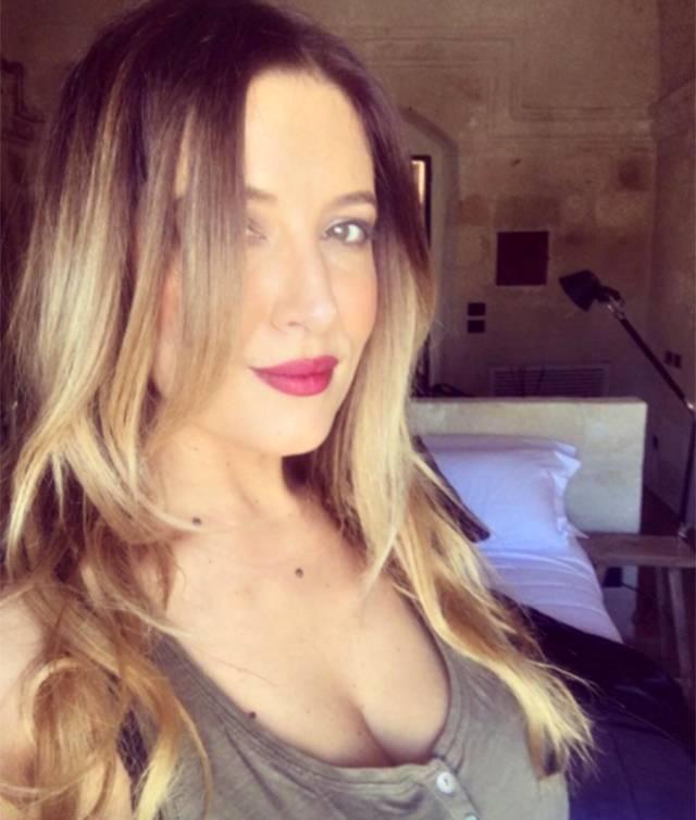 Belen Rodriguez: gaffe social, Selvaggia Lucarelli la richiama