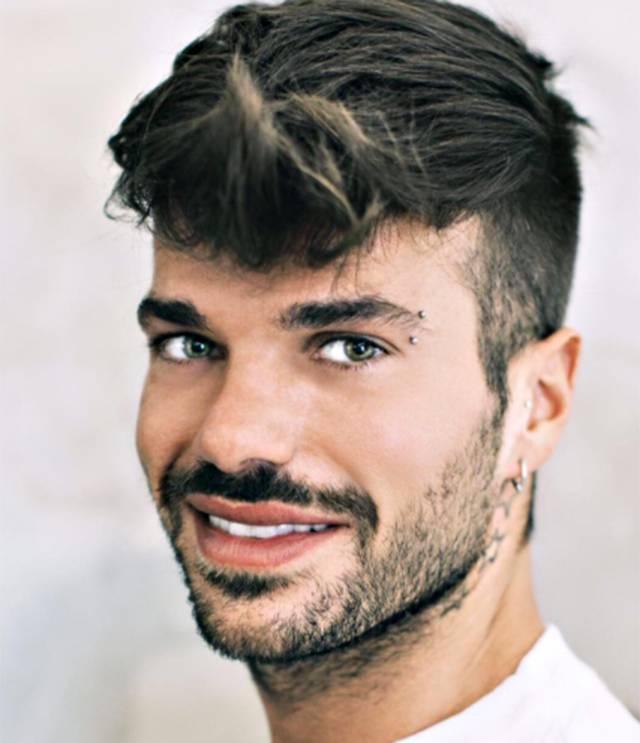 Secondo il modello Juan Fran Sierra Claudio Sona ha finto di stare con Serpa per business