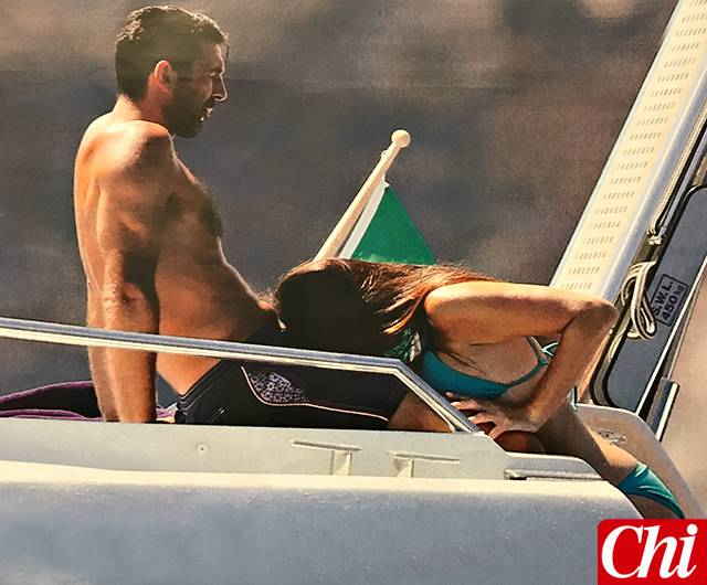 Gigi Buffon e Ilaria D'Amico: l'estate è hot sullo yacht
