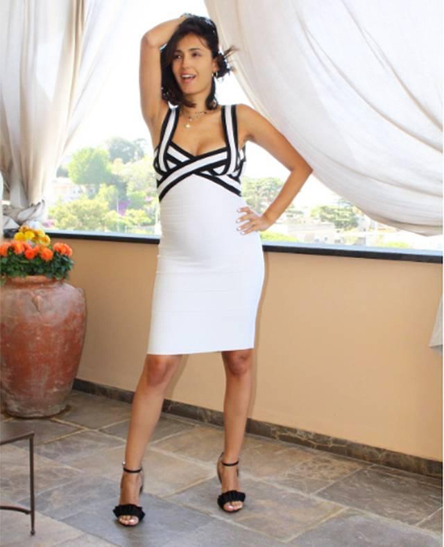 Caterina Balivo Sfoggia Il Pancione Quasi Agli Sgoccioli Con Un Look White