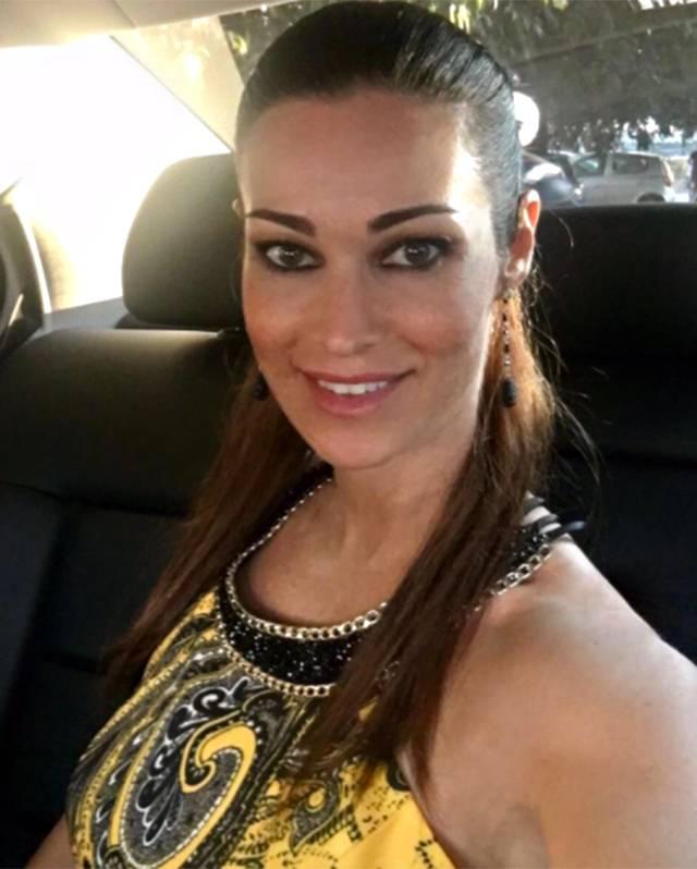 Manuela Arcuri Calendario.Manuela Arcuri Pentita Del Calendario Sexy Non Vorrei Che