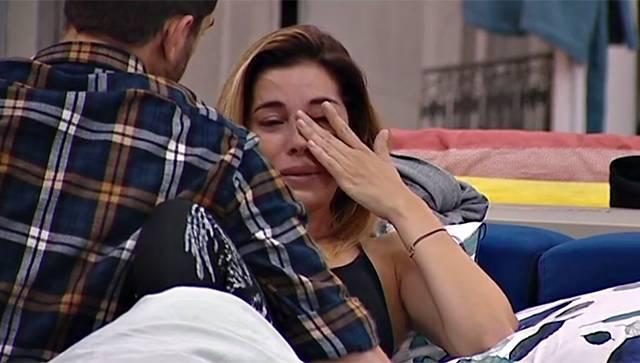Aida piange dopo la discussione con Jeremias Rodriguez