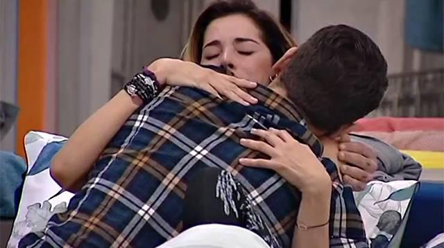 Grande Fratello Vip: Aida Yespica in lacrime