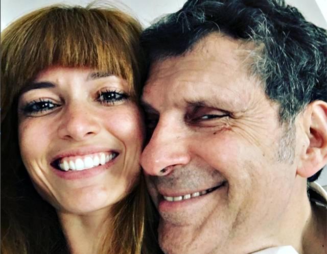 Fabrizio frizzi la famiglia chiede 39 massima discrezione for Fabrizio frizzi e carlotta mantovan
