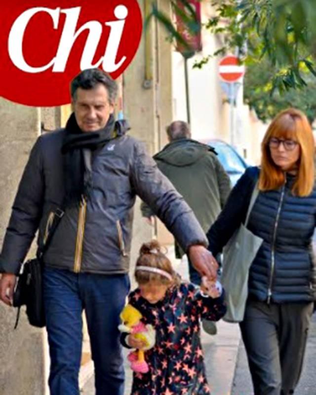 Fabrizio Frizzi, le foto della prima uscita in famiglia dopo il malore