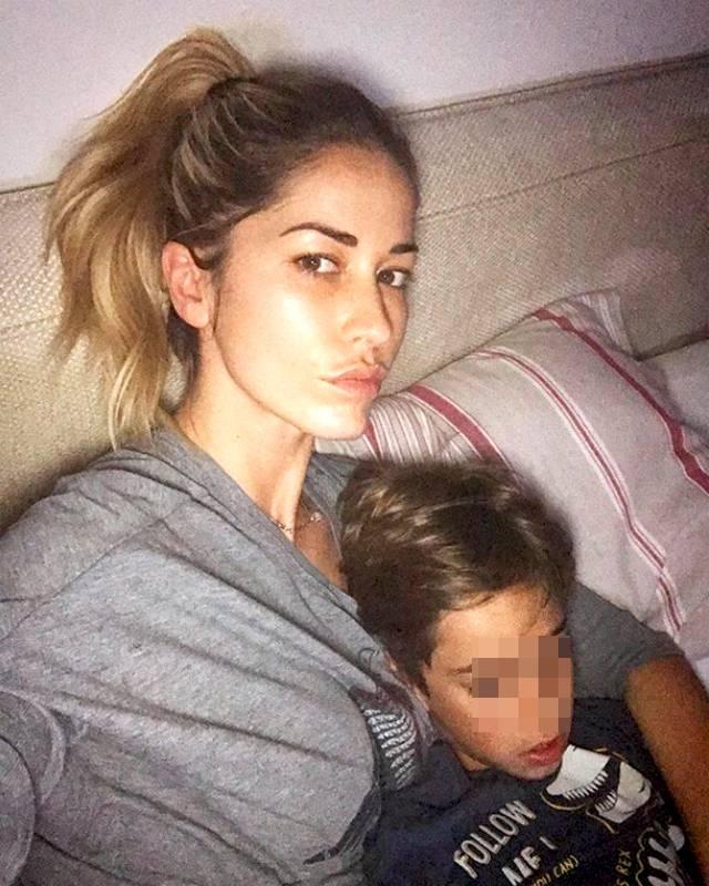Elena Santarelli shock: 'Mio figlio ha una grave malattia, sono distrutta'