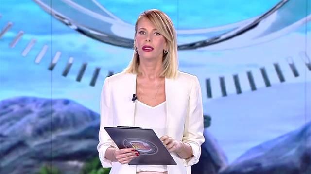 Isola dei Famosi: bufera tra Nadia Rinaldi e Francesco Monte