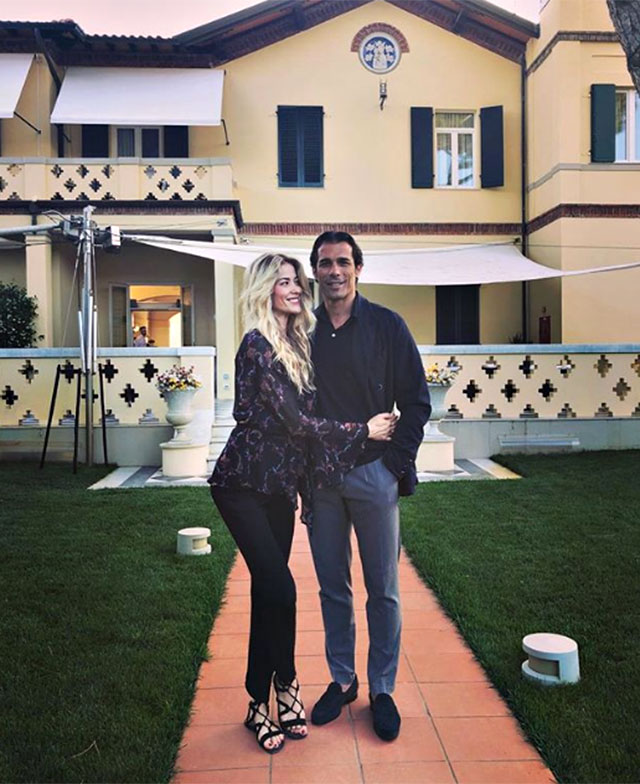 Elena Santarelli, 4 anni di nozze con Corradi: l'emozionante messaggio