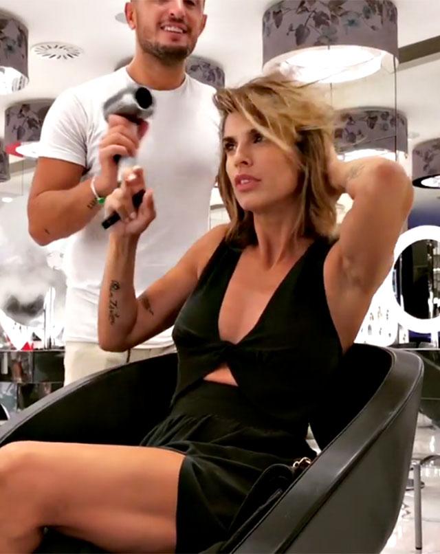 Elisabetta Canalis cambia look  nuovo taglio di capelli. Sceglie un ... 3499ad3e2648
