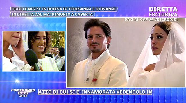 bddb300e3d59 ... Teresanna durante il collegamento con  Pomeriggio 5  dopo le nozze  Barbara D Urso ha mostrato il matrimonio ...