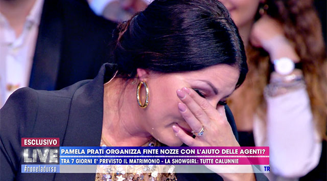Eliana Michelazzo piange in diretta tv dalla D'Urso