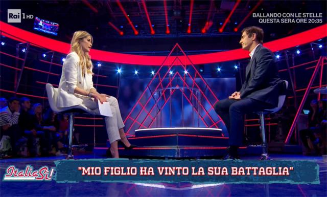 Elena Santarelli e Marco Liorni durante l'intervista