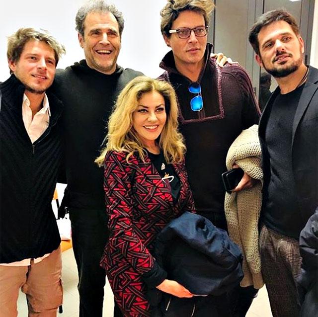 Eva Grimaldi e Imma Battaglia con amici, tra cui Gabriel Garko e Gabriele Rossi