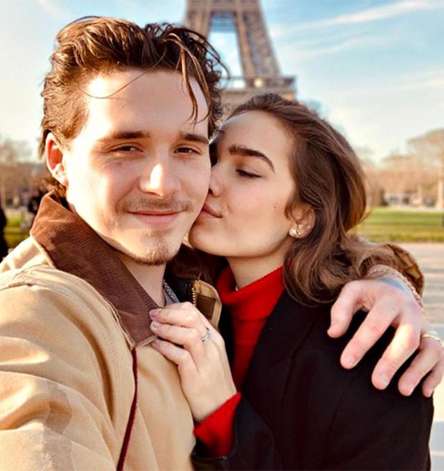 Brooklyn Beckham insieme alla fidanzata Hana Cross