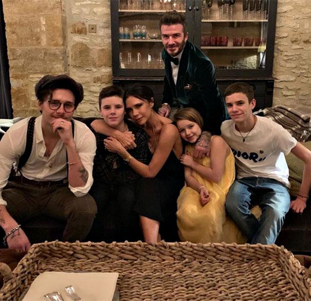 David e Victoria Beckham con tutti i loro figli: