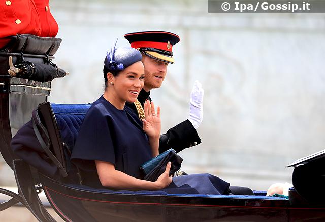Meghan Markle e il Principe Harry sulla carrozza Londra