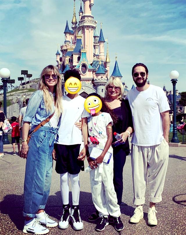 Heidi Klum ha Disneyland Paris con il marito Tom Kaulitz, due dei suoi figli, e sua madre Erma
