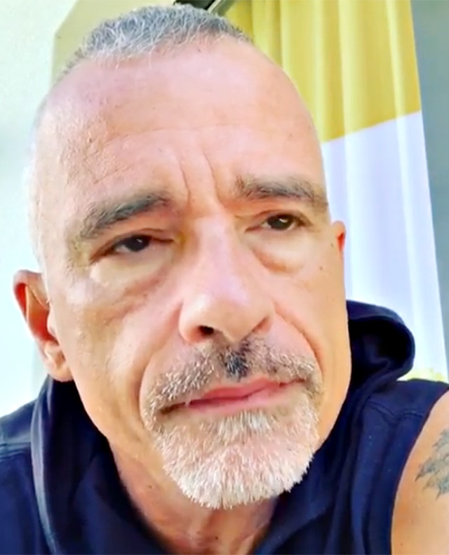 Eros Ramazzotti affranto nel video postato sui social