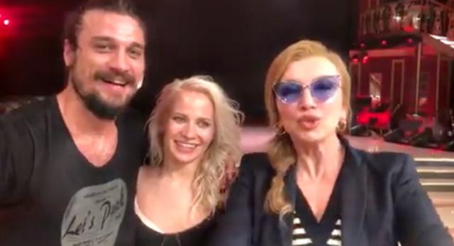 Milly Carlucci con Veera Kinnunen e Daniel Osvaldo