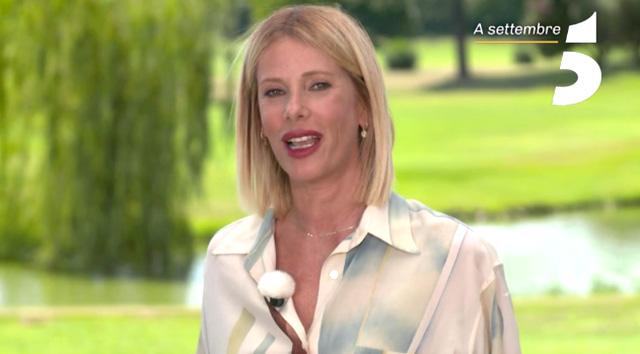 Dopo Simona Ventura sarà Alessia Marcuzzi a condurre la versione vip dell'ormai amatissimo show di Canale5