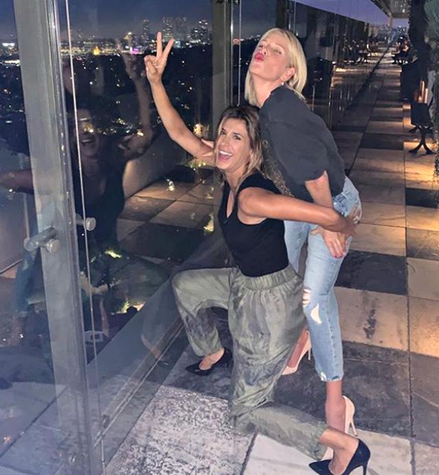 Alessia Marcuzzi si diverte con Elisabetta Canalis a Los Angeles
