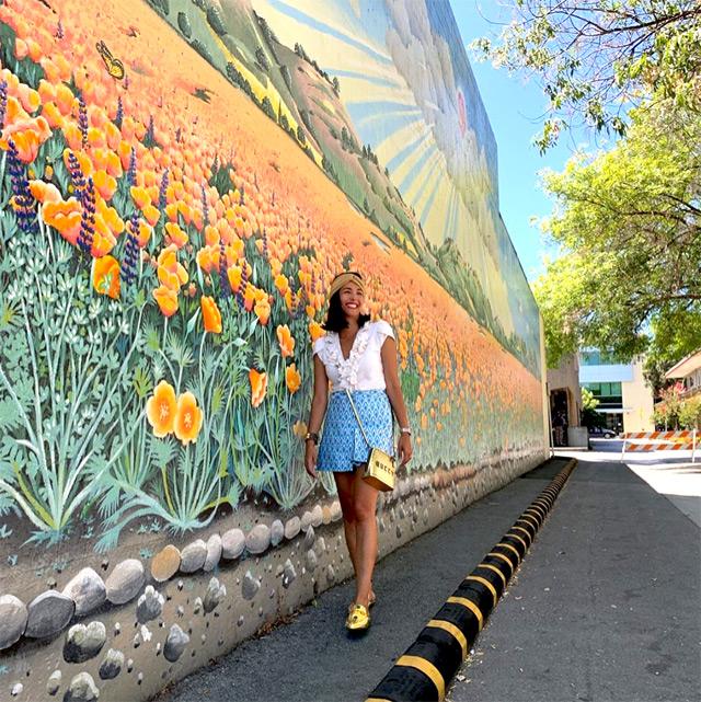Caterina Balivo turista a Cupertino, in California, non distante da San Francisco