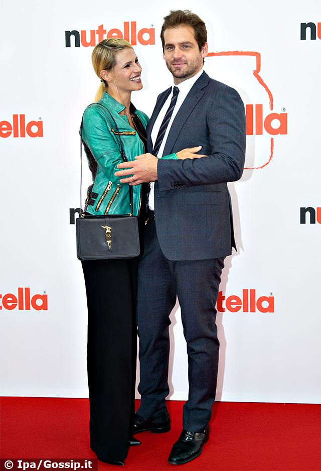 Michelle Hunziker e Tomaso Trussardi innamorati sul red carpet ad Amburgo, in Germania