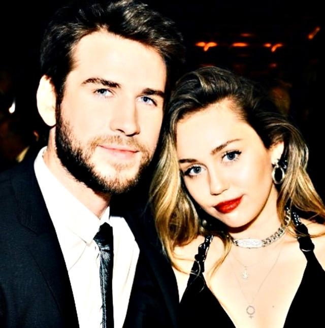 Liam Hemsworth e Miley Cyrus ai tempi della loro relazione, ormai finita