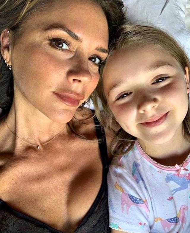Victoria con la figlia Harper Seven