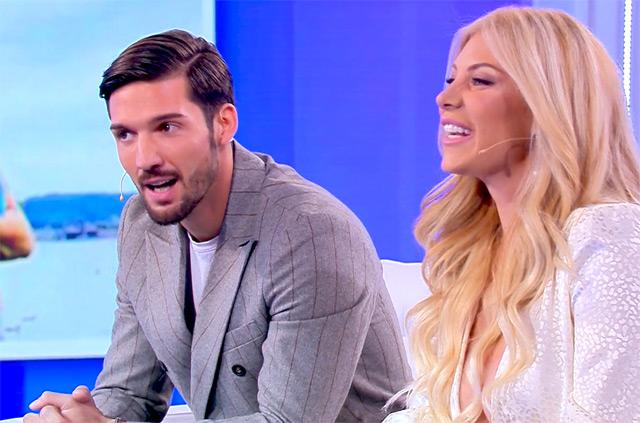 Paola Caruso e Moreno Merlo insieme a 'Pomeriggio Cinque', dove hanno annunciato di essere una coppia dallo scorso luglio